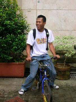 Antho nyuri sepedanya Krisnaaa