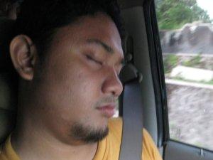 Tertidur dalam Perjalanan