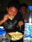 Makan Tempe Mendoan Khas Gombong