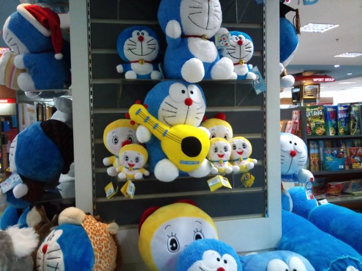 Doraemon Ksatria Bergitar (Boneka)