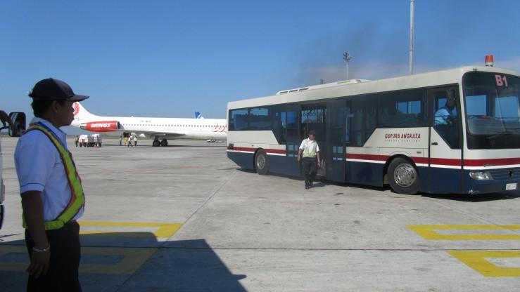 Bus bandara yang mogok