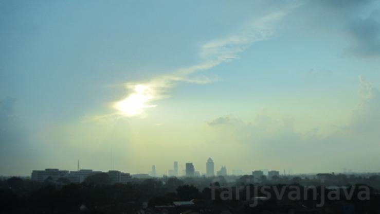 Senja di Batas Kota #1