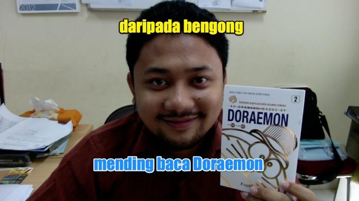 Daripada bengong, mending baca Doraemon