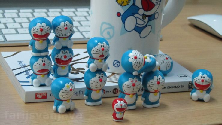 12 Doraemon dan Mini Dora
