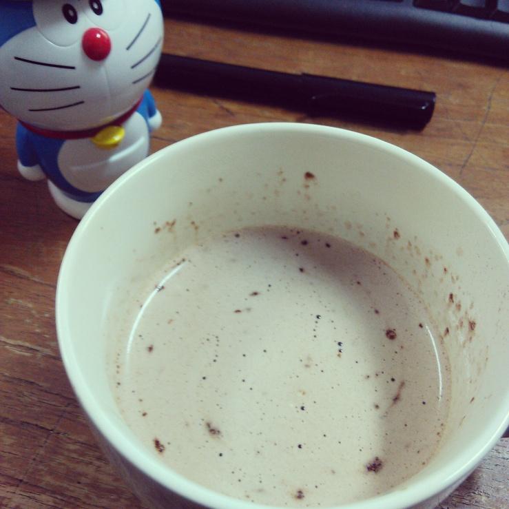 Secangkir cokelat hangat...